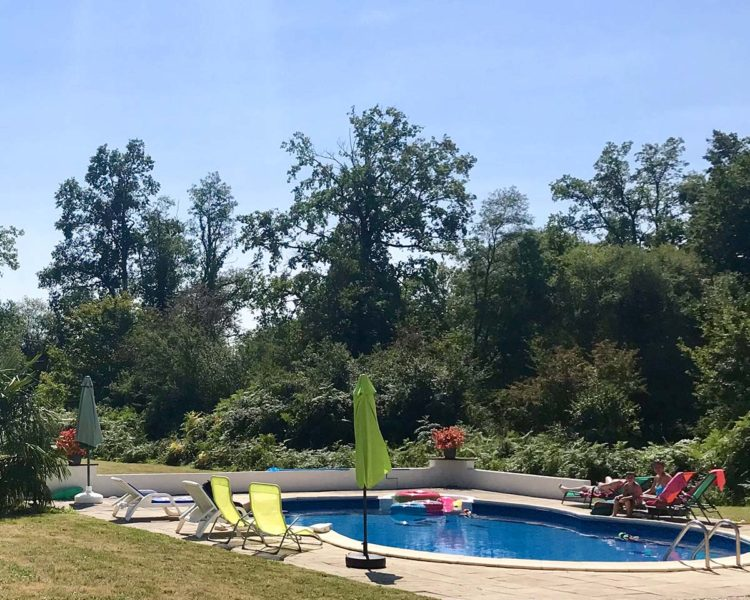 Gite-pool-side-luxury-pool-family-friendly-pool-france-holidays-in-france-south-of-france-family-friendly-holiday-gites-villas-in-france-french-escapes-holidays-in-france